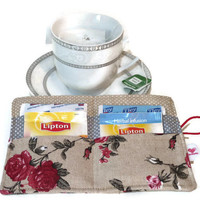 Tea Wallet in Linen / Red Roses Tea bag holder