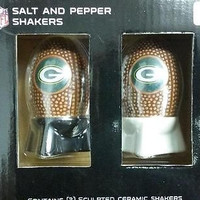 NFL Green Bay Packers Sculpted Ceramic Football Salt and Pepper Shakers