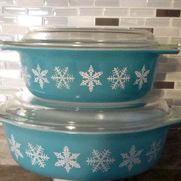Turquoise Large 2.5 Quart and  1.5 Quart  Pyrex  Casseroles In the White Snowflake Pattern on Turquoise
