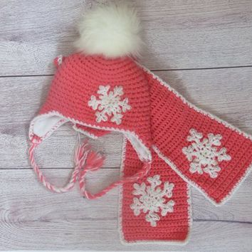 Snowflake Crochet Hat and  Scarf, Fleece Lining, Free shipping