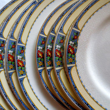 Set of 8 Floral China Plates.  Dinner Plates, Salad Plates, China Set.  J&G Meakin 1920s.  Shabby Chic Dishes