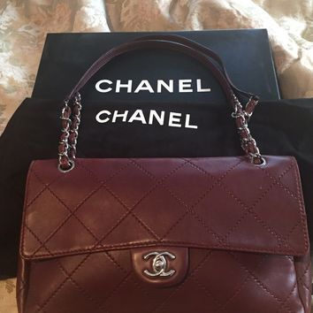 Authentic Chanel Burgundy Quilted Calf Leather Women's Shoulder Bag