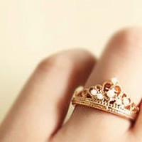 Elegant Pearl Crown Ring on Luulla