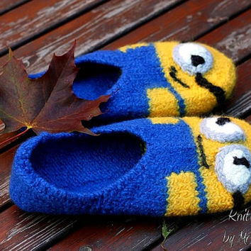 Felted Minion Slippers -  Size US10/12.5 EU42/44, 100% virgin wool, knitted and felted