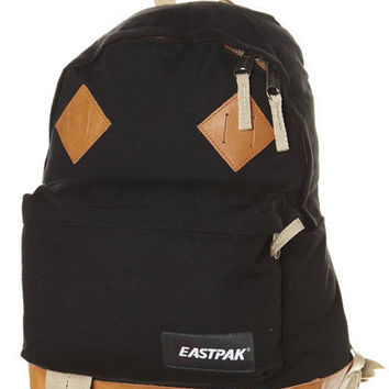 EASTPAK RETURNITY PADDED PAK`R BACKPACK - BLACK