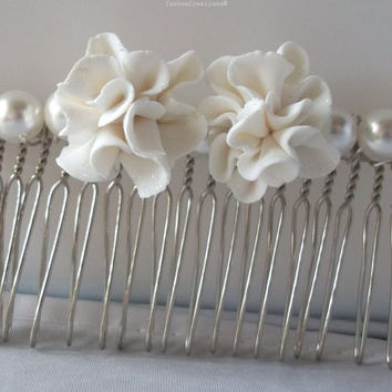 White Flower Hair Comb, Carnation and South Sea Shell Pearl Headpiece, White Weddings, Prom Hair