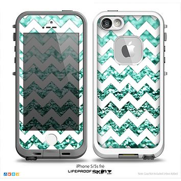 The White Chevron Aqua Green Glimmer Skin for the iPhone 5-5s Fre LifeProof Case