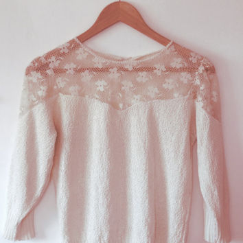 Antique cream/ivory/light knit/floral/lace/knitted/button/vintage sweater