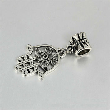 DIY Bracelet Pendant Vintage Silver Butterfly Buckle The Palm Pendant Silver Plating It Will Make You More Beautiful JPP137