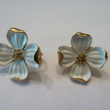 Vintage Crown Trifari Earrings White Painted Enamel Dogwood Flower Blossom Earrings Costume Jewerly Spring Summer Easter