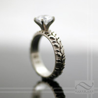 14k White Gold Tire Tread Ring with CZ