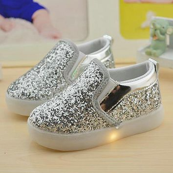 Baby Girls boy LED Light Shoes Toddler Anti-Slip Sports Boots Kids Sneakers Children Cartoon Sequins PU Flats size 21-30 New 183