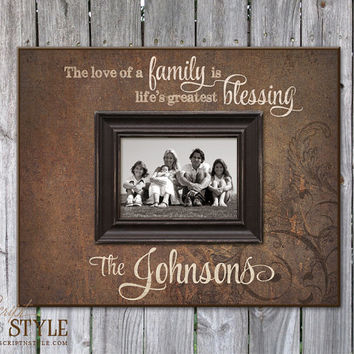 Personalized Picture Frame with Family Name & Quote, Family Picture Frame, Personalized Wedding Anniversary Gift