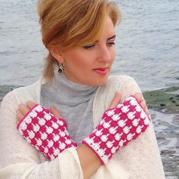 Crochet mittens white pink fingerless gloves arm by Lasunka