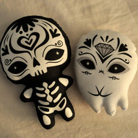 Sugar Skull Toy Day of the Dead toy Dia de los Muertos by fuish