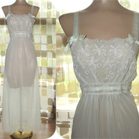 Vintage 40s Embroidered Eyelet Lace Nightgown Sheer WHITE Ribbon & Bows Wedding Bridal M/L