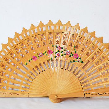 spanish wooden fan, woman gift, wooden fan, christmas gift, fan with flowers, hand fan, woman's accessory, anniversary gift