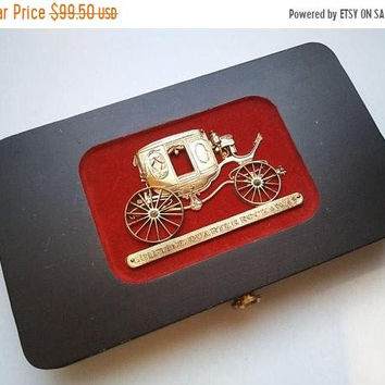 ON SALE SWANK Men's Jewelry Box, Carriage Motif Design, Mid Century Men's Jewelry Valet, 1950's 1960's Stagecoach Shifting Quarter Rockaway