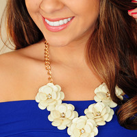In The Roses Necklace: Cream