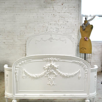 Painted Cottage Chic Shabby French Full / Double Vintage Romantic Tiaria Bed BD766