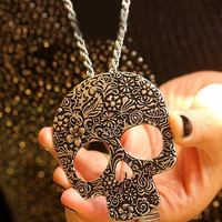 Lou Pattern Skull Necklace