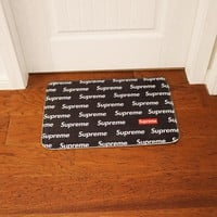 SUPREME Black Floor Indoor/Outdoor Mat