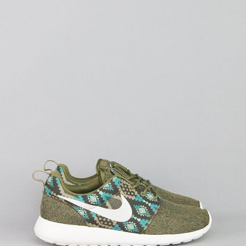 NIKE ROSHE ONE PRINT IGUANA SAIL DARK LODEN BAMBOO – BLENDS