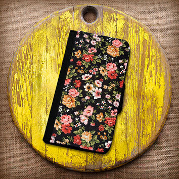 Black Floral With Roses Wallet Case. Choose iPhone 4/4s, 5/5s, 5c or Galaxy S3, S4.