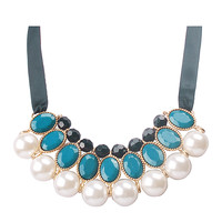 Big White Pearl Jewelry Bib Clusters Necklace