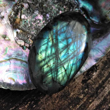 Labradorite Polished Crystal - Worry Stone - Palm Stone - Reiki Infused - Healing Crystal - Third Eye Chakra - Feng Shui - Zen Garden #594