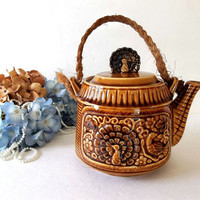 Vintage Turkey Motif Teapot made Japan golden brown Retro Mid Century tea pot rope handle Asian Oriental ceramic collectible tea party pot