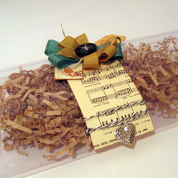 Decorated Gift Box by MissCrackleberry on Etsy