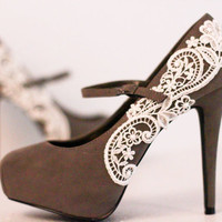Gray Platform Pumps with Venise Lace .. Size 5.5
