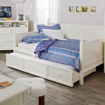 Full size White Wood Daybed