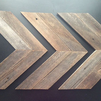 Rustic Barn Wood Arrows // Chevron Reclaimed Wood // Set of 3 large arrows // Rustic Decor // Chevron Wall Art