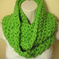 Green Cowl Infinity Circle Scarf Neckwarmer