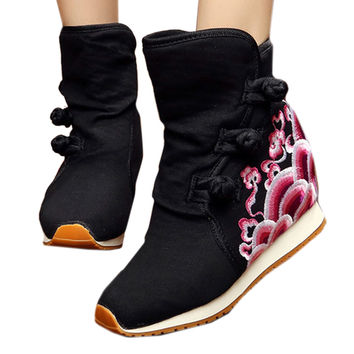 Wave Vintage Beijing Cloth Shoes Embroidered Boots black