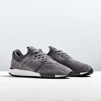ICIKGQ8 new balance 247 suede sneaker urban outfitters