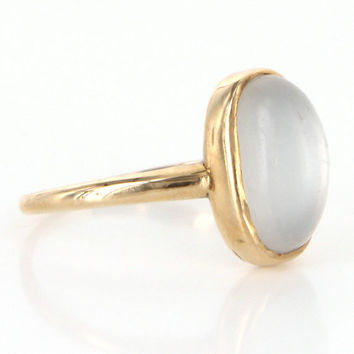 Vintage 10 Karat Yellow Gold Cabochon Moonstone Cocktail Ring Estate Jewelry