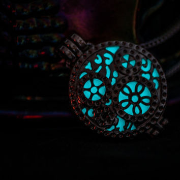 Glowing Necklace , Glowing Locket , Glow in the dark necklace  , Steampunk Necklace , Clockwork , Women Necklace , Glow in the dark jewelry