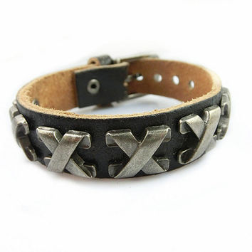 Fashion Punk  Skull Rivets Adjustable Leather Wristband Cuff Bracelet - Great for Men, Women, Teens, Boys, Girls 2590S