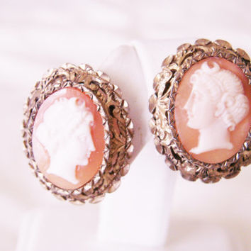 Antique Hand Carved Shell Cameo Earrings / Ornate Diamond Cut Textured Gold Plate / Wedding Bridal / Vintage Jewelry / Jewelelry