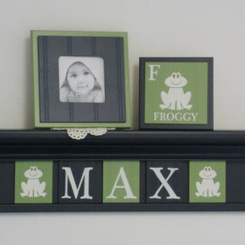 "Frog Nursery Decor, Froggy Art Wall Decor, Personalized Baby Boy Nursery Gift, 24"" NAVY Shelf with Navy and Green Plaques for MAX - Froggy's"