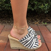 Somewhere On A Beach Wedge - Navy/Ivory Stripe