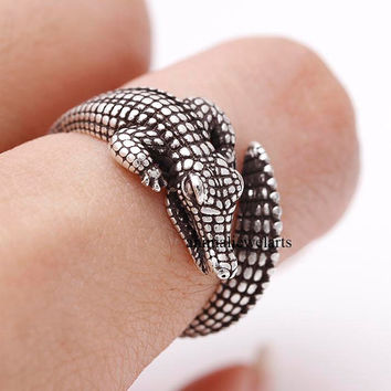 crocodile, crocodile ring, animal ring, animal wrap ring, animal jewelry, adjustable ring, man ring, burnished ring, retro ring