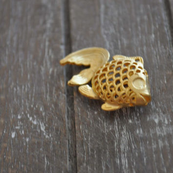 1 Piece Gold Plated Metal Goldfish Charm, Metal Fish Pendant, Jewelry Findings, Jewelry Supply