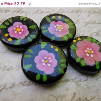 STOREWIDE SALE Vintage lucite handpainted floral pink flowers beads focal (6)
