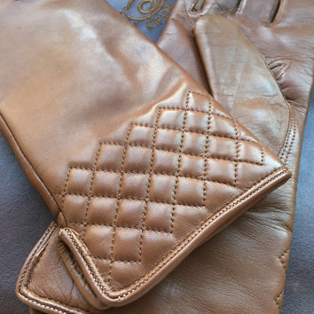 Leather gloves//women's winter gloves//gift for her//Italian lambskin leather//italian soft leather//cream//elegant gloves//wool lining