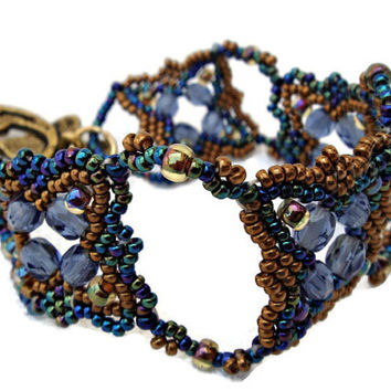 Blue and gold bracelet. Beaded bracelet with blue Czech faceted. Seed beads bracelet.