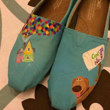 UP themed TOMS